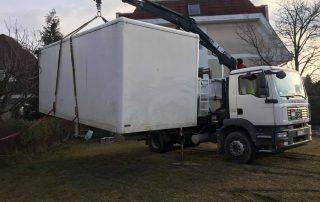 emelőhátfalas teherautó